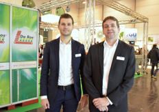 Steven Adriaense Toon Thijs with Van Looveren. Recently the company showed in a video how greenhouse glass is being produced: https://www.hortidaily.com/article/9054149/this-is-how-your-greenhouse-glass-is-being-produced/