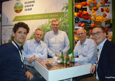 Jurre Schotteindreier (Purple Pride), Jos Hagen (Global Green Team), Marco Bergman (Global Green Team), Arno Verboom (Global Green Team) en Michel den Ouden (Purple Pride).
