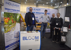 Joel Enns recently joined the Moleaer team, with Michiel de Jong present at the show. They are visited by Italian growers.