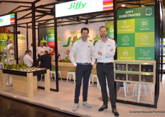 Mark Verheul and Marc de Bruin with Jiffy. They presented a biodegradable PLA-netting for growblocks and pellets.